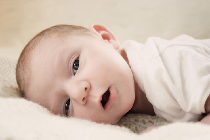 nyfødt baby pige