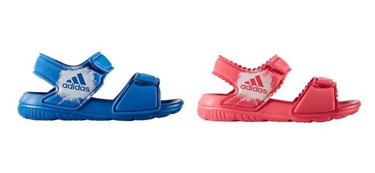 blå og lyserød adidas badesandal