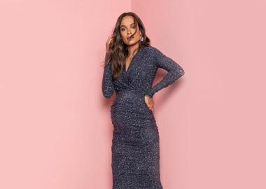 Gravid kvinde i flot kjole