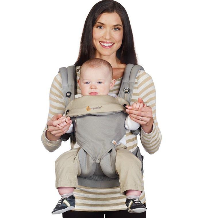 Kvinde med Ergo baby bæreselen