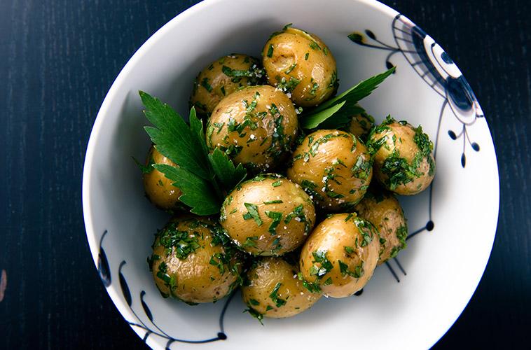 kartofler med løvstikke