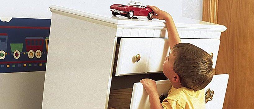 Børnesikring af møbler