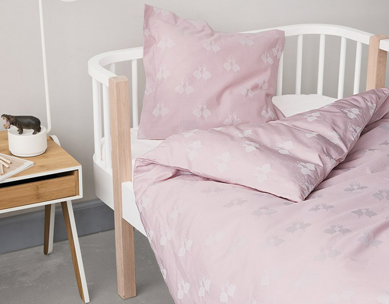 rosa baby sengetøj